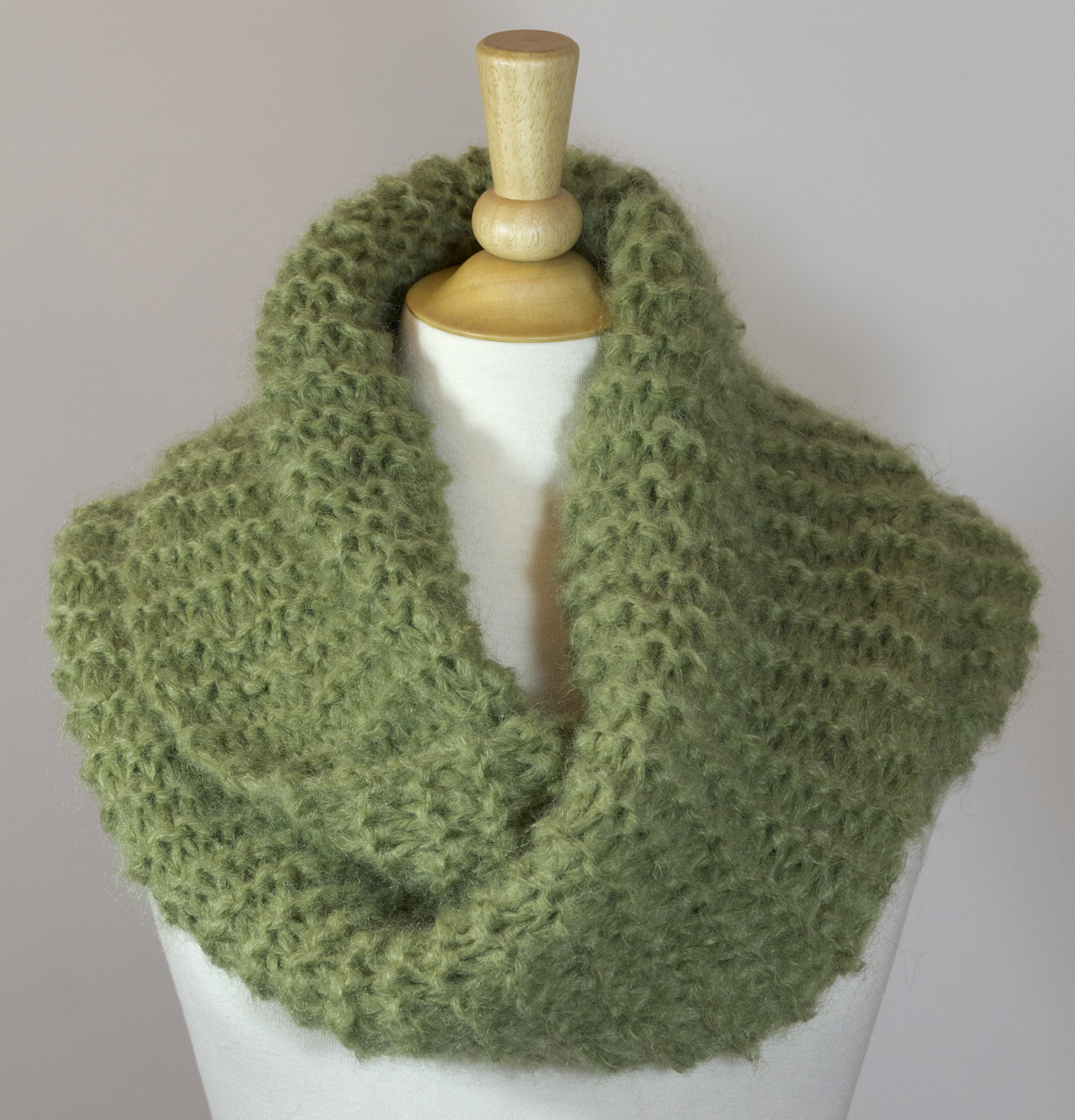 Free Knitting Pattern Mohair Cowl : Chilly Cowl JumperCablesKnitting