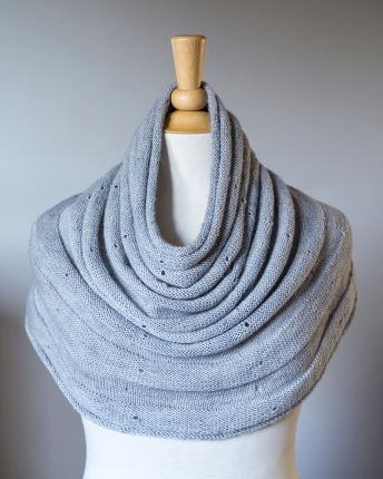 Meringue Deep Cowl / Small Shoulder Warmer
